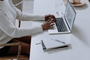 Six Reasons to Switch to E-Statements